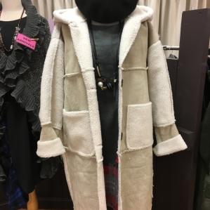 是报复毛皮围巾大衣