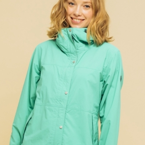 Water repellency jacket that classic appearance fuses with modern functionality