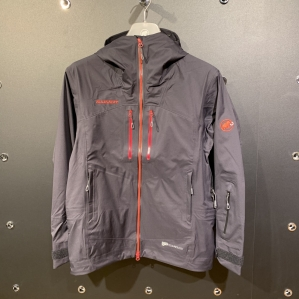 Introduction of multi-, usable winter jacket
