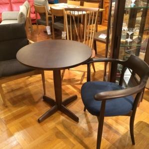 HIDA Hida產業訂貨桌子&椅子